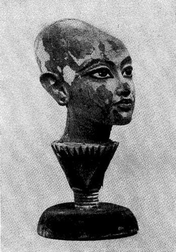 88б. Голова Тутанхамона. 14 в. до н. э.
